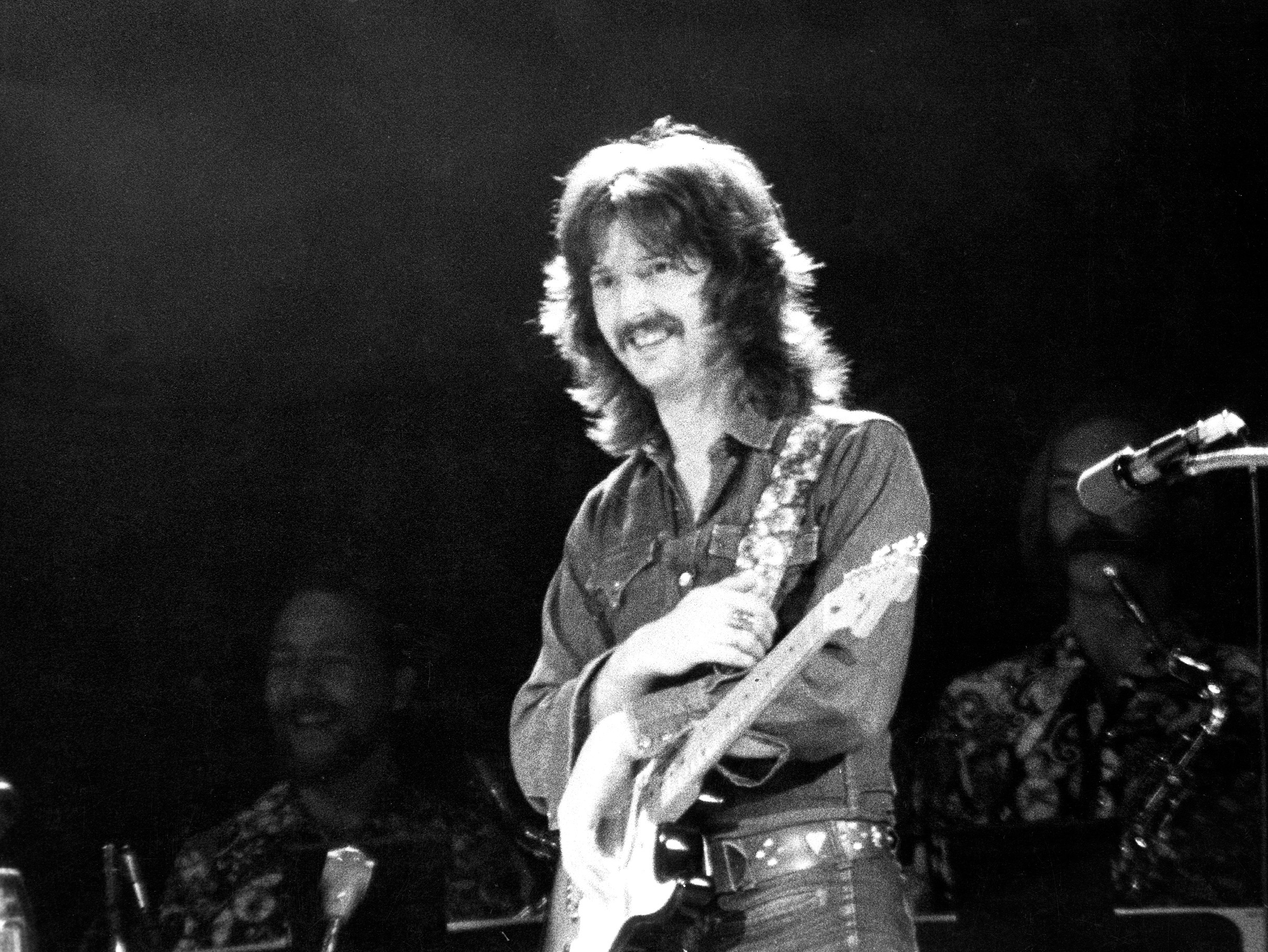 eric clapton performing in a bangladesh concert august 1971 eric clapton photos. Black Bedroom Furniture Sets. Home Design Ideas